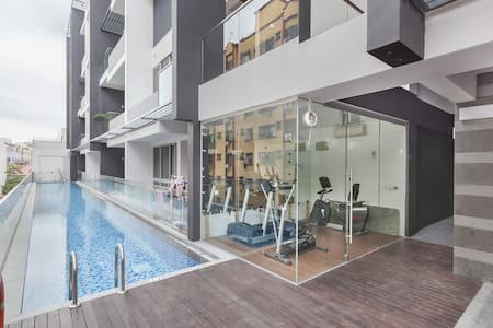 Brand New Apartment Near the City - Singapura
