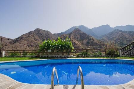 Ferienwohnung mit Pool und Blick - Wohnung