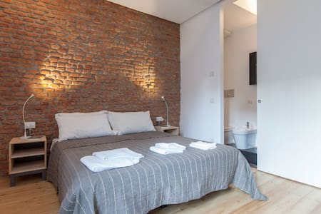 Chic & Cheap Apt 2 in Porta Venezia - Milano - Apartment