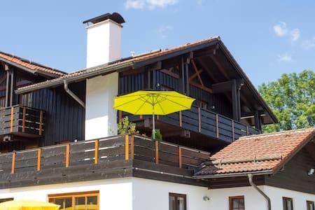 Ferienwohnung Breitenberg mit Bergblick und Kamin - Apartmen
