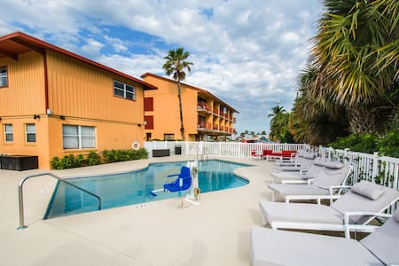 Hutchinson Island 2 Beds Beach Pool - Leilighet