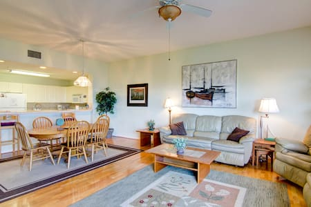 Open and Spacious Oceanview Condo - Fernandina Beach - Apartment