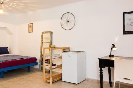 City Center Studio Apartment - Leilighet