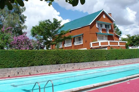 Bed & breakfast in villa with pool - House