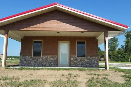 Hidden Falls Cabins & RV Park Cabin #5 - Nebraska City - Cottage