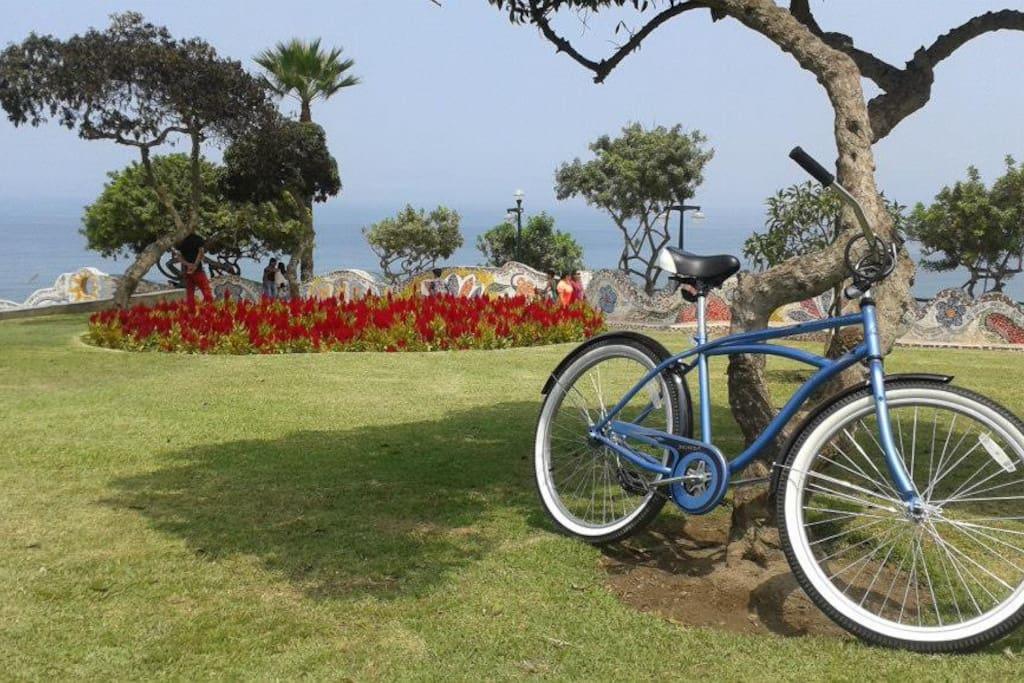 Enjoy Lima riding a bike!