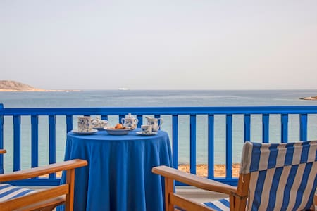 """Big Blue"" Sea Front Villa - Naousa - Naousa"