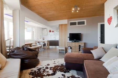 3 bdrm Penthouse in Sierra Nevada - Appartement