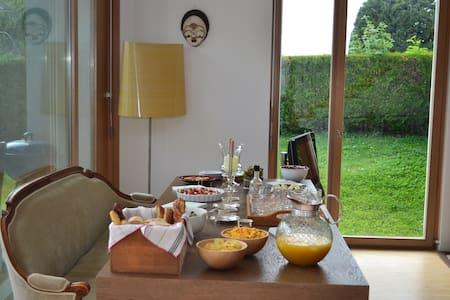 Maison à vesenaz, chambre individuelle - Collonge-Bellerive - House