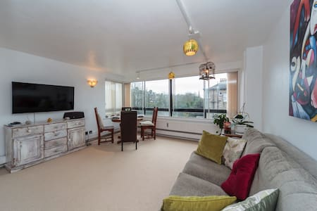 Bright, spacious two bed apartment - Hove - Apartment