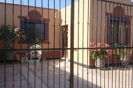 Casa en San Carlos, Nuevo Guaymas. - House