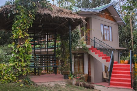 Roots, Shoots & Beds (R,S & B) - Kalimpong - Bed & Breakfast