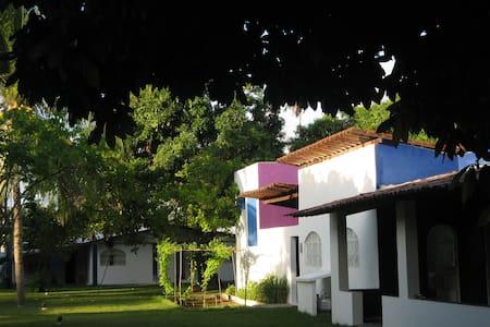 Cosy house, beautiful garden  - Paripueira - Rumah
