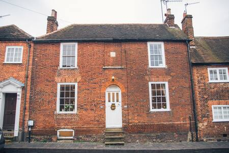 Small character cottage St Albans