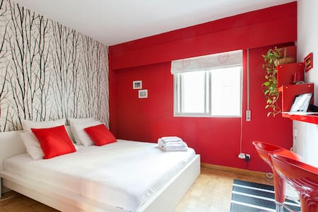 BEAUTY B&B: 15 MIN. TO CENTRE BY METRO + WiFi - Madrid - Bed & Breakfast