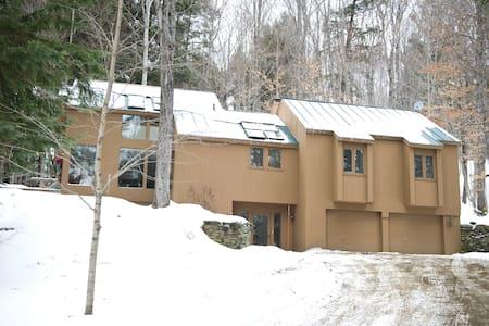 Bright & Spacious Quechee Vermont Getaway - Hartford - Hus