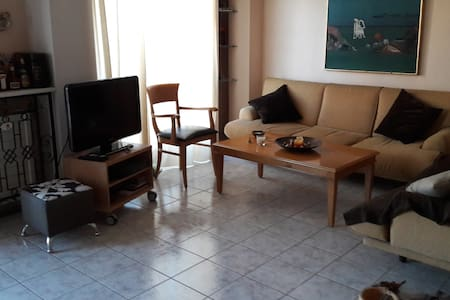 Διώροφο διαμέρισμα κοντά στο λιμάνι - Patras - Wohnung