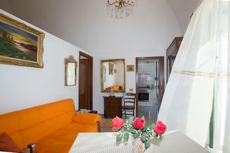 Casa Rosa: comoda soluzione in Costiera Amalfitana - Tramonti - Wohnung