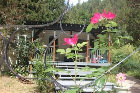 Creekside Cottage - 2 Bed 2 Bath - Nature Paradise - Cabin