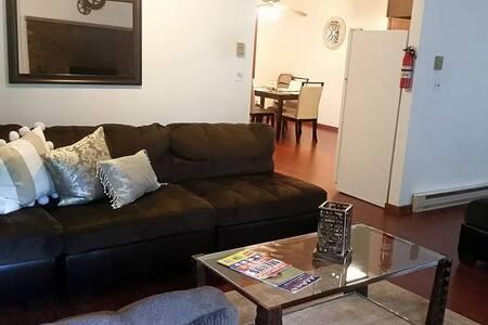 luxury,stunning,HotTub,Resort area - Bushkill - House