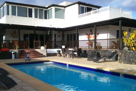 Suite doble,baño y terraza privada. - Teguise - Villa