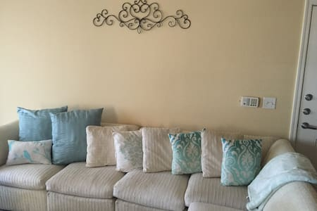 Great apartment near EVERYTHING. - Glendale - Διαμέρισμα