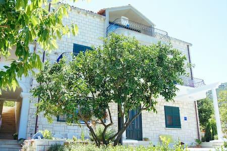 1BD Apartment at Villa Siga - Huoneisto