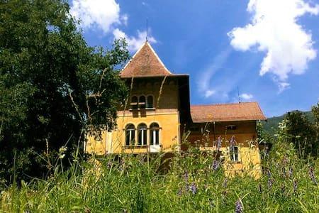 """Grande e prestigiosa villa nello stile """"Liberty"""" - Roncegno - Villa"""