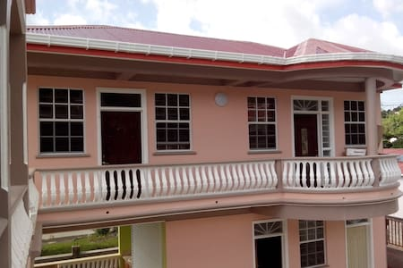 Room type: Entire home/apt Bed type: Real Bed Property type: Bed & Breakfast Accommodates: 1 Bedrooms: 1 Bathrooms: 1