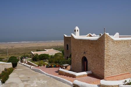 Calme et tranquillité à 25 mn de médina Essaouira - Haus