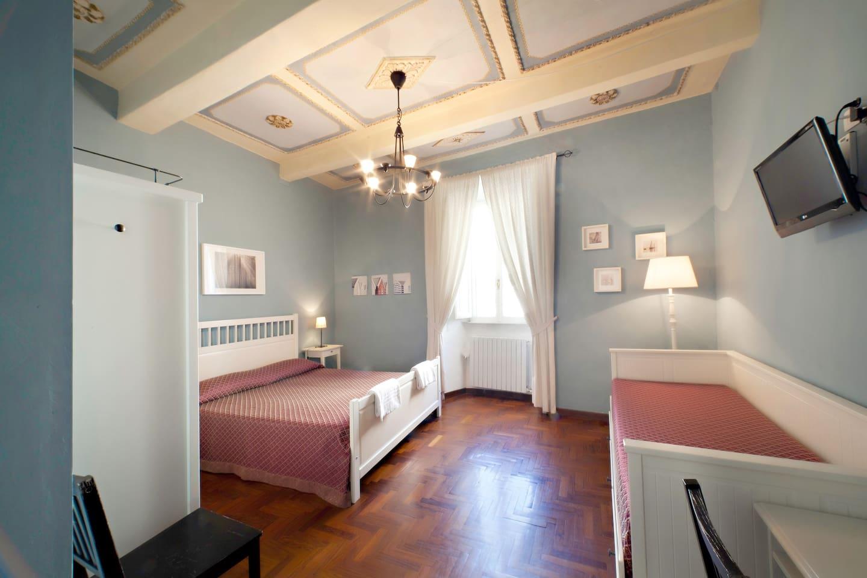 Stay a night in Calisto6 B&B Rome