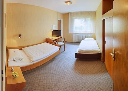 Doppel/Zweibett Zimmer - Stuttgart - Bed & Breakfast