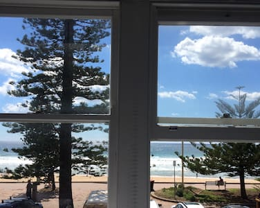 Manly Beach front.Perfect location!