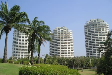 Luxury condo on a Golf course! - Bang Saen - Sri Racha - Leilighet