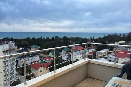 Пентхаус 103 м с видом на море и горы - Appartamento