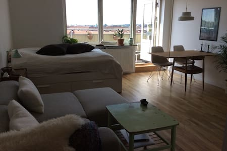 Simple and bright apartment - København - Apartment
