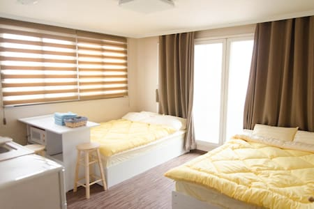 The only flat in Seoul to offer you high quality with low cost accommodation in the very heart of Sinchon and Hongdae. Our new flat will offer you the chance to make unforgettable memories while you are here in Seoul.