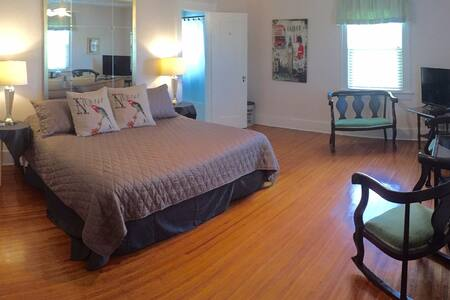 Deland Sublets Short Term Rentals Rooms For Rent Airbnb Deland