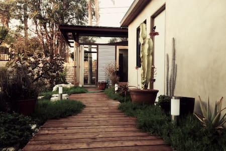 One of a kind guest house - Inglewood