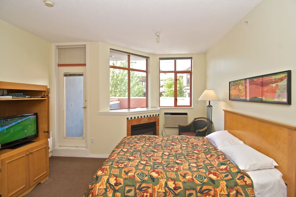 Spacious Whistler Village Studio