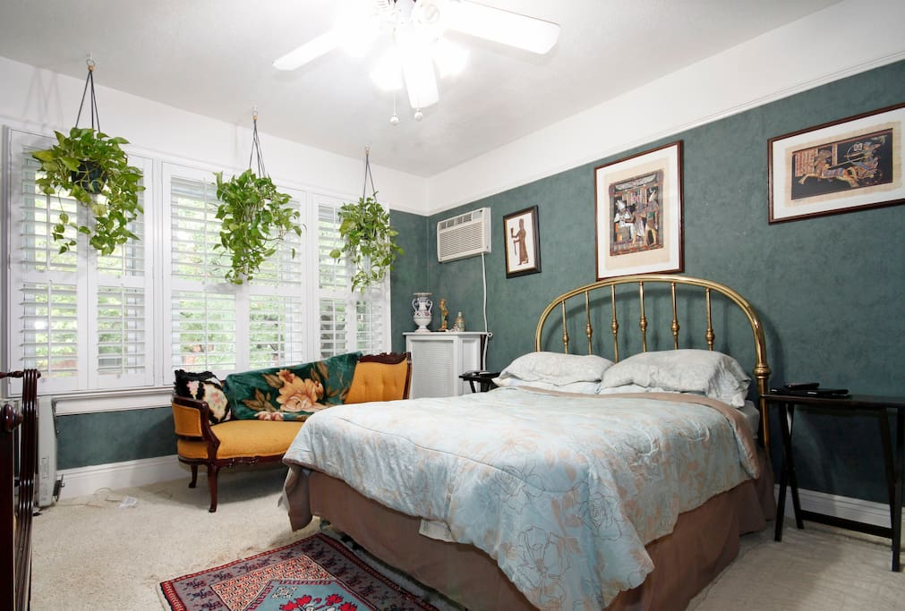 Artist's Ditmas Pk 5 bedroom house