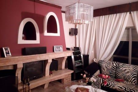 MODERN & IMPRESSIVE APARTMENT - Xánthi - Apartment