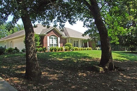 Comfortable Bed and Breakfast - Claremore