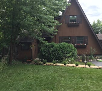 Hennessey's Hideaway - On the Chain - Fox Lake - Maison