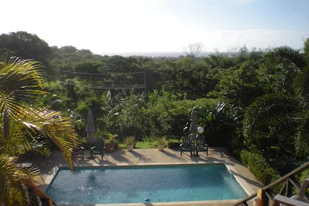 Spectacular sea view, pool and deck - Scarborough,