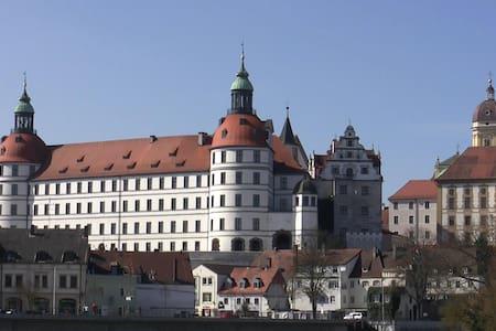 Insel mit Schlossblick - Apartment