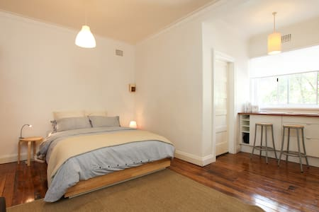 Convenient Kings Cross Apartment