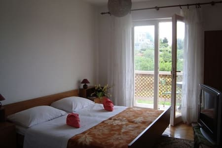 rooms near the sea, pets friendly - Rab