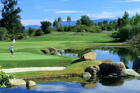 Riviera Oaks Resort & Racquet Club - Ramona - 別荘