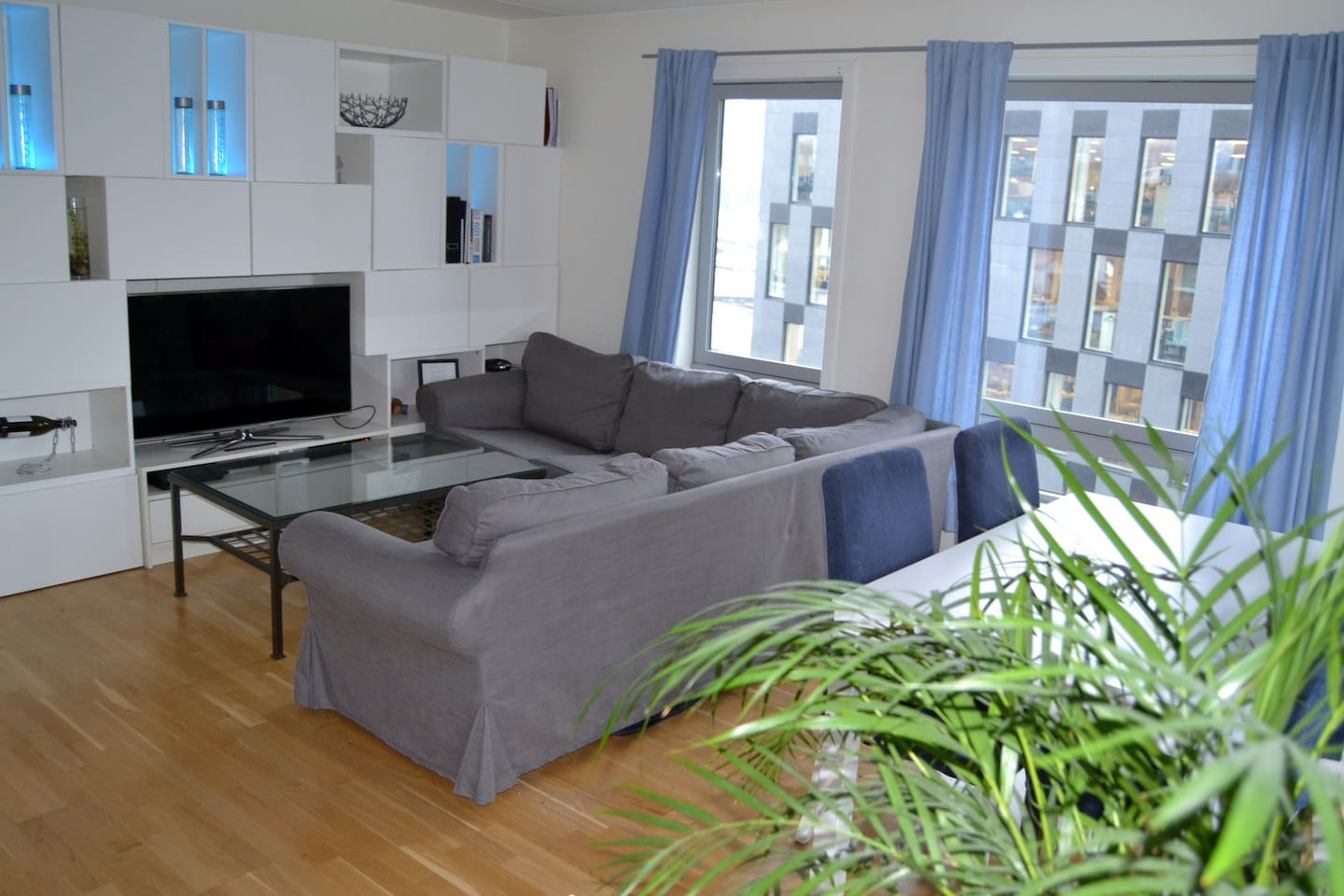 Apartment 1, large sofa and flatscreen TV
